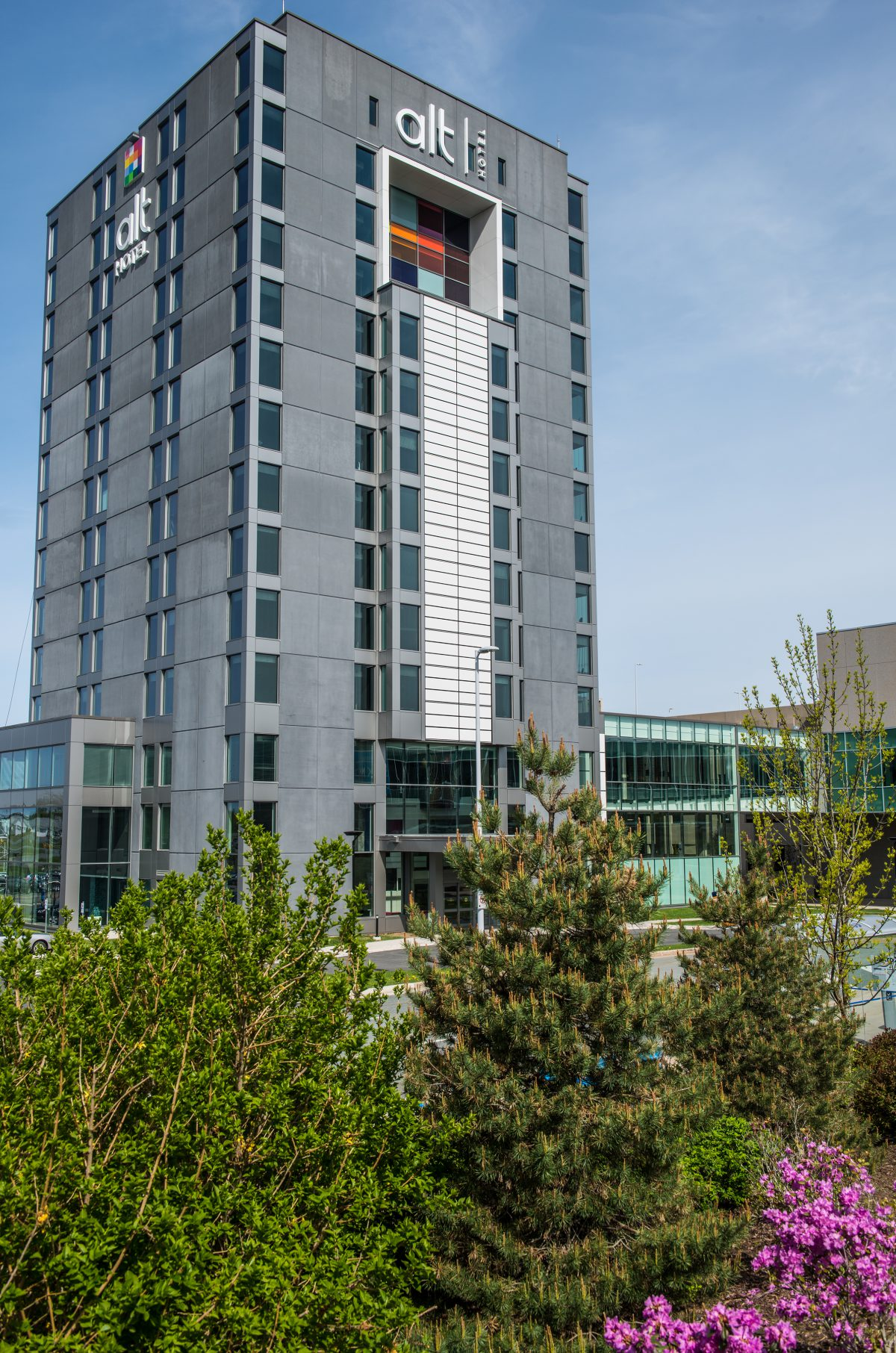 Marco alt hotel halifax airport for Small hotel groups